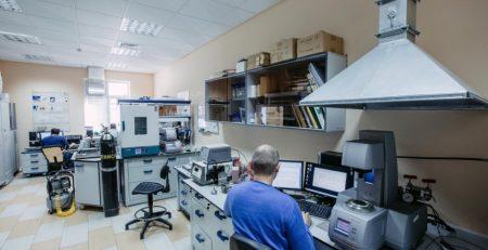 Ученые КФУ получили поддержку РФФИ за исследования по применению третичных методов нефтедобычи